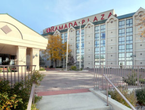 2014-Hotel-Ramada_Exterior